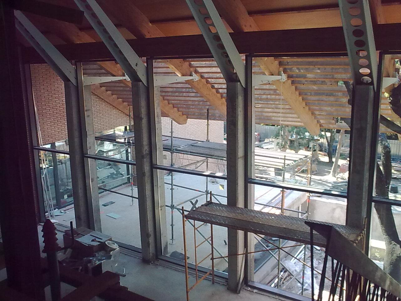 Instalacion y montaje de fachadas de cristal en madrid for Fachadas de cristal